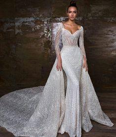 Magico♡ Vestido de sueños. #bride #bridal #bridalinspo #dress #dresses #vestidodenovia #novia #noiva #boda #casamento #bridetobe #totalwhite #stunningbride #boda2018 #couture #bridetobe #vestidos #vestidodenoiva #inspire #wedding #weddingdress #soglam #vestidodenovia #zuhairmurad