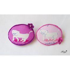 brooche with white cat /brože kocourek a kočička Coin Purse, Cat, Purses, Wallet, Handbags, Cat Breeds, Purse, Bags, Cats