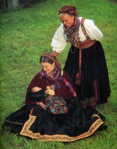 FolkCostume&Embroidery: Beltestakk and Gråtrøje, Costumes of East Telemark, Norway part 1