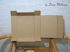 Сегодня я хочу вам показать элементарный способ создания коробки из картона по шаблону. Картон может быть любой плотности (только не переплетный, конечно). Размер коробки можно менять, увеличивая или уменьшая шаблон при распечатке на бумаге или переводя с экрана монитора. Таким образом, получаем один шаблон на все случаи жизни :) И для упаковки пары сережек, и для книги, и для игрушки, и для...
