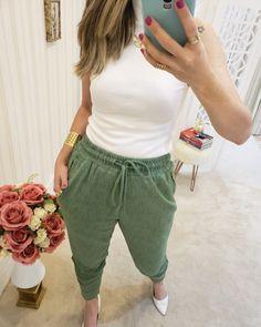 Looks Style, Jogging, Harem Pants, Capri Pants, Woman, Shorts, Fashion, Turtleneck, Blouse