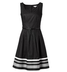 Dresscode Beerdigung Ich Trug Ein Knielanges Kleid Einfach Und Nicht Zu Leger Einfarbigen Ist Perfekt Um Wahre Kleidung Beerdigung Kleidung Kleidung Frauen