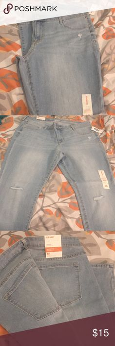 Old Navy rockstar low rise skinny jeans. Never worn still has tags on rockstar jeans. Ankle length with two holes on the knees. They are low rise and regular length. Old Navy Jeans Skinny