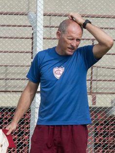 """Apesar de não vencer, Sílvio aponta Atlético-IB """"fortalecido"""" no estadual +http://brml.co/1yQP4DD"""