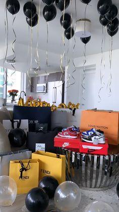 Birthday Gifts For Boyfriend Diy, Cute Boyfriend Gifts, Mode Converse, Bougie Black Girl, Birthday Goals, Baby Dior, Luxury Lifestyle Women, Luxury Gifts, Birthday Decorations