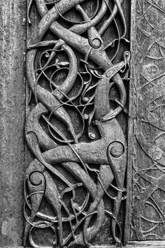 Urnes Stave Church, Sogn og Fjordane • Norway Urnes Stave Church (Stavkirke) - build between 1150 and 1200, the northern portal and other parts are from an older building. It has been on the Unesco's world heritage list since 1980. Wooden carvings on the northern portal show how people in the old days imagines lions to look like.The story of this day can be found here: http://blog.lilleulven.com/2016/06/the-scandinavian-adventure-leikanger.html Pentax K20D •1/13sec • f/8 •46mm •ISO 100 •smc…