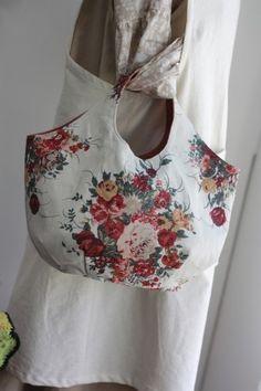 로즈부케 린넨 라운드가방 : 네이버 블로그 Purse Organizer Pattern, Purse Organization, Reusable Tote Bags, Purses, Sewing, Diy Bags, Couture, Fashion, Satchel Handbags