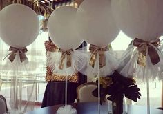 Balloons with tulle  so pretty and cheap for a wedding!