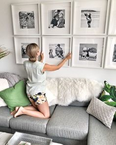 How to create a grid-style gallery wall of family photos - Inexpensive grid gallery wall for family room - Family Room Walls, Family Room Design, Muebles Living, Piece A Vivre, Diy Wall Decor, Home Decor, Photo Wall Decor, Living Room Interior, Living Room Designs