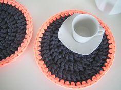 Modern Neon Round Placemats set of 2 - Neon Tableware - Crochet Table Settings - Kitchen Diy Crochet And Knitting, Crochet Fabric, Fabric Yarn, Crochet Home, Lace Knitting, Crochet Designs, Crochet Patterns, Crochet Ideas, Crochet Placemats