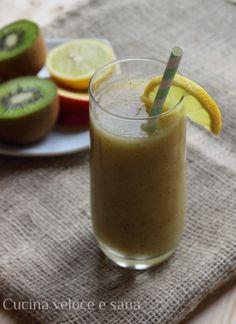 frullato disintossicante Ingredienti:  1 mela 1 kiwi 1/2 finocchio 1 limone,  zenzero essicato o in polvere
