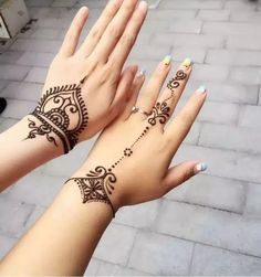 Easy Mehndi Design Images and Photos - henna - Simple Mehndi Designs Images, Henna Tattoo Designs Simple, Small Henna Tattoos, Mehndi Simple, Mehndi Designs For Hands, Flower Tattoos, Small Henna Designs, Simple Hand Henna, Paisley Tattoos