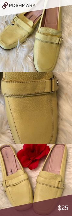 Ann Klein Iflex Yello Leather Mules💋 Pretty little yellow Mules by Ann Klein.  Size 8.5 Material Leather Color Yellow Condition Great Used! Anne Klein Shoes Mules & Clogs