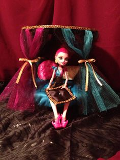 Doll Furniture round canopy bed GiGi monster high by LilliansLMB