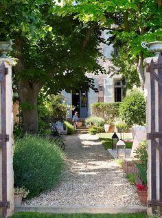 front yard landscape design 85 Stunning Cottage Garden Ideas for Front Yard Inspiration - Decoradeas - -