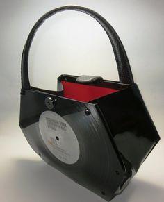 Vinyl Record Handbag Chelsea Style by RescuedRecordPurses on Etsy Vinyl Record Projects, Vinyl Record Art, Diy Crafts With Cds, Vinyl Crafts, Chelsea, Dolly Fashion, Vintage Vinyl Records, Diy Purse, Recycling
