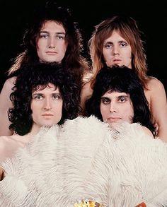 Queen Photos, Queen Pictures, John Deacon, Bryan May, Rainha Do Rock, Roger Taylor, We Will Rock You, Queen Freddie Mercury, Queen Band