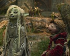 Looking to have The Dark Crystal Age of Resistance ending explained? We've got you covered, and we also try to figure out what's up with Season 2 of The Dark Crystal on Netflix. Dark Crystal Movie, The Dark Crystal, Goblin Art, Fantasy Literature, Anime Kunst, Fraggle Rock, Fantasy Films, Film Serie, Fantasy Creatures