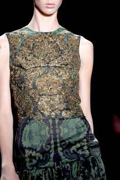 Vera Wang Spring 2013 RTW Details - Review - Collections - Vogue