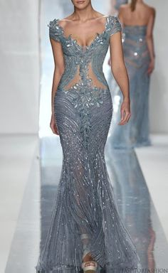 Elie Saab--that's one sexy number! Halle Berry should def go back to Elie Saab as her designer of choice! Elegant Dresses, Pretty Dresses, Formal Dresses, Awesome Dresses, Dresses 2013, Club Dresses, Formal Wear, Prom Dresses, Beautiful Gowns