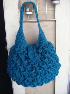 ideas for crochet bag pattern free handbags crocodile stitch Bag Crochet, Crochet Purse Patterns, Crochet Shell Stitch, Crochet Diy, Crochet Video, Crochet Motifs, Crochet Handbags, Crochet Purses, Bag Patterns