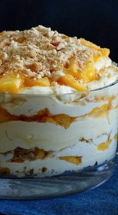 Recipes - Peach Vanilla Cheesecake Trifle Peach Vanilla Cheesecake Trifle - a great dessert recipe that has pudding and peaches why make a pie.Peach Vanilla Cheesecake Trifle - a great dessert recipe that has pudding and peaches why make a pie. British Desserts, 13 Desserts, Layered Desserts, Brownie Desserts, Trifle Desserts, Great Desserts, Delicious Desserts, Dessert Recipes, Yummy Food