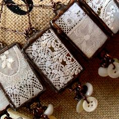 ❥ lace and button charms