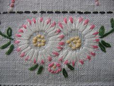 Chain Stitch Daisies
