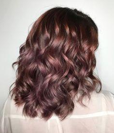 Colore capelli 2017: il chocolate mauve è il trend dell'inverno