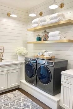 """Smart Farmhouse Laundry Room Storage Organization Ideas - House Topics Show me your farmhouse laundry room and I will tell you who you are"""" We just made up this quote and hopefully it is not true! Mudroom Laundry Room, Laundry Room Remodel, Laundry Decor, Farmhouse Laundry Room, Laundry Room Organization, Laundry In Bathroom, Storage Organization, Smart Storage, Farmhouse Decor"""