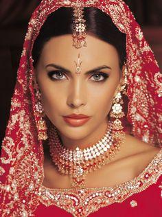Ivana Filipovic Woman Face, Pakistani, Pearl Necklace, Indian, Pearls, Diamond, Jewelry, Style, Fashion