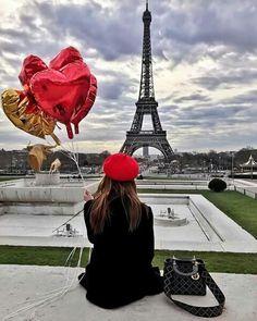WEBSTA @ blondesandcookies - Love Paris ❤ by via 💛 Tour Eiffel, Torre Eiffel Paris, Paris Eiffel Tower, Romantic Paris, Beautiful Paris, Paris Love, Paris Images, Paris Pictures, Cute Photography