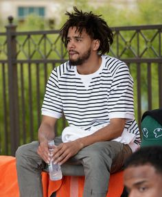 """Cole at Daylight Beach Club in Las Vegas, NV """" """" J Cole Art, Daylight Beach Club, Day Party Outfits, Drake Clothing, Black Men Hairstyles, Hip Hop Art, Hip Hop And R&b, King Cole, Mother Of Dragons"""