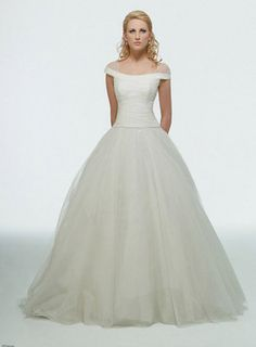 "This is the Disney ""Cinderella"" wedding dress. Oh. My. Gosh. Catch me."