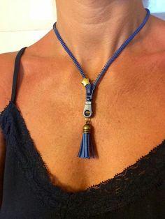 Zipper Bracelet, Zipper Jewelry, Wire Jewelry, Jewelry Crafts, Beaded Jewelry, Jewelery, Handmade Jewelry, Beaded Necklace, Zipper Crafts