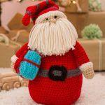 Huggable Santa Pillow Free Crochet Pattern