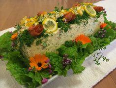 Liian hyvää: Tilli-muna-lohivoileipäkakku