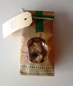 Geschenk 1. Advent * Stephanie von Meine Küchenschlacht an Nathalie von KitchenCloud * Eisberge aus weisser Schokolade mit Früchten und Knusperchen
