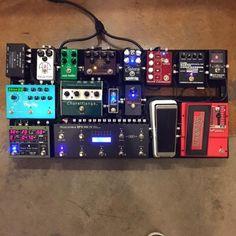 [IMG] Nice boards everyone! Guitar Pedal Board, Guitar Rig, Guitar Effects Pedals, Guitar Pedals, Pedalboard, Nerd Stuff, Music Stuff, Bellisima, Rigs