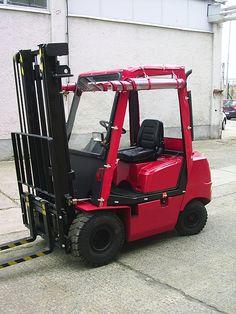 Targoncaponyváink feltekerhetőek. Tractors, Vehicles, Rolling Stock, Vehicle, Tools