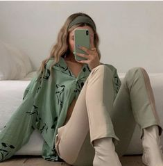 trendy outfits for summer . trendy outfits for school . trendy outfits for women . Mode Outfits, Fashion Outfits, Fashion Tips, Fashion Trends, Modest Fashion, Fashion Hacks, Travel Outfits, Fashion Essentials, Fashion Lookbook