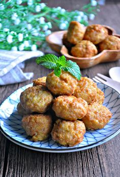 Tofu Meatballs or LazyMan Meatballs 豆腐肉圆 / 懒人肉圆 - Eat What Tonight Tofu Recipes, Meatball Recipes, Asian Recipes, Cooking Recipes, Healthy Recipes, Ethnic Recipes, Chinese Recipes, Asian Foods, Yummy Recipes