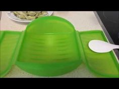 Alcachofas en salsa de tomate en estuche de vapor Lekue - YouTube Rubber Duck, Ice Cube Trays, Youtube, Microwaves, Salads, Cooking Recipes, Tomato Sauce, Hipster Stuff, Veggies