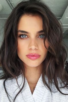 Hair Color Blue Eyes Ideas For Brunettes Dark Brown 23 Ideas Hair Colors For Blue Eyes, Dark Hair Blue Eyes, Hair Color Blue, Cool Hair Color, Blue Hair, Wavy Hair, Brunette Hair Pale Skin, Brunette Blue Eyes, Light Brunette