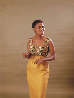 Photographic Print: South African Singer Miriam Makeba Displays Beautiful Garb by Moneta Sleet Jr. Blazer Fashion, Fashion Outfits, Miriam Makeba, African American Fashion, African Design, African Style, African Diaspora, African Women, African Beauty