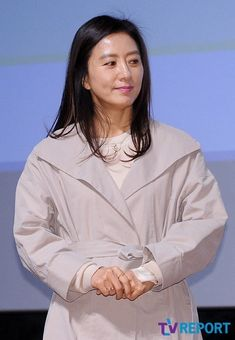 Kim Hee-ae (김희애) - Picture @ HanCinema :: The Korean Movie and Drama Database Korean Actresses, Korean Drama, Love Story, Pure Products, Queen, Actors, Female, Gallery, Movies