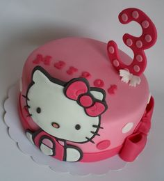 Hello Kitty birthday cake Hello Kitty Theme Party, Hello Kitty Birthday Cake, Hello Kitty Themes, Birthday Cake Girls, Kitty Party, 3rd Birthday, Birthday Ideas, Beautiful Cakes, Amazing Cakes