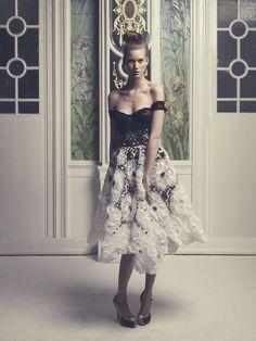 #fashion #temptacions #streetchicfashion #fashionista #streetstyle #accessories #ootd #complementosdemoda #primavera #cool #style #spanishbloggers #inspiracion #spring16 Až+po+zem+-+spoločenské+šaty+Belfaso