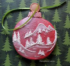Christmas tree ornament ~ idea / inspiration for decorated iced sugar cookie. Galletas decoradas.