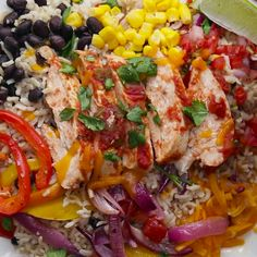 17 Healthy Grain Bowls You Should Make For Dinner 2019 Weekday Meal-Prep Chicken Burrito Bowls The post 17 Healthy Grain Bowls You Should Make For Dinner 2019 appeared first on Lunch Diy. Healthy Grains, Healthy Snacks, Healthy Eating, Healthy Recipes, Keto Recipes, Summer Healthy Meals, Healthy Burritos, Healthy Suppers, Easy Healthy Meal Prep